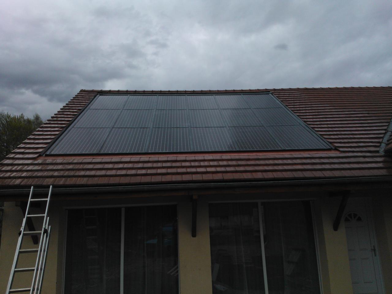 tetőbe integrált napelem